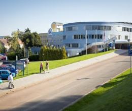 Náchodská nemocnice projde hloubkovou kontrolou, následovat budou kroky pro její ekonomické ozdravení