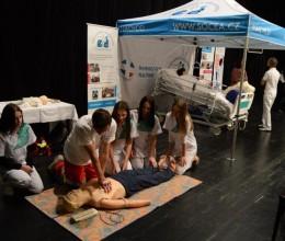 Děti základních škol si v Náchodě vyzkoušely profesi zdravotníka v praxi
